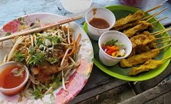 Food_and_Lodging_Photo_1_Thai_Market_meal